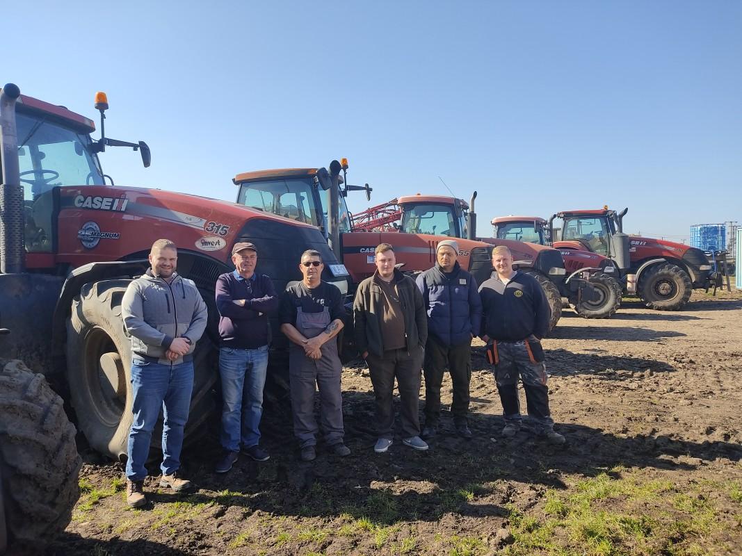 Lőrinci Mezőgazdasági Szövetkezet sok éves Case IH múlttal és 6 piros traktorral