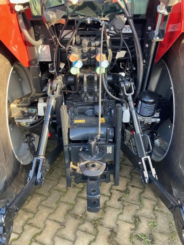 CASE IH Case IH Farmall 85C traktor Készletes gépek